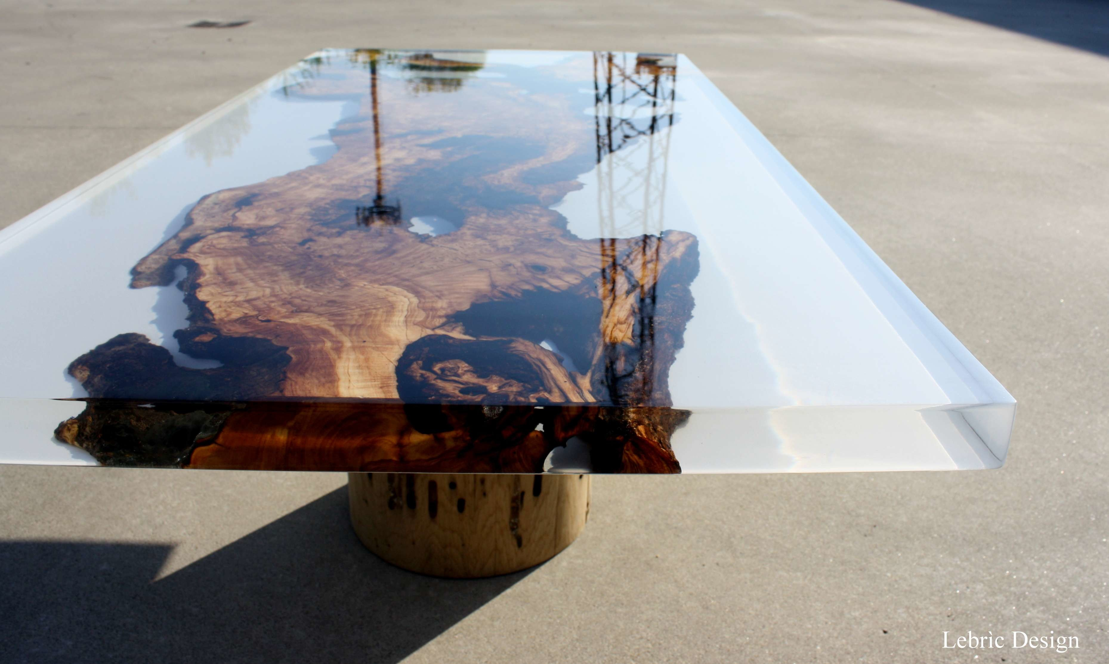 Tavolo design vetro e legno Milk < Tavoli in resina Lebrìc Design ...